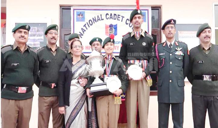 मोदी के हाथों गोल्ड मेडल पाकर लौटी NCC Cadet Anushka का ऊना में सम्मान