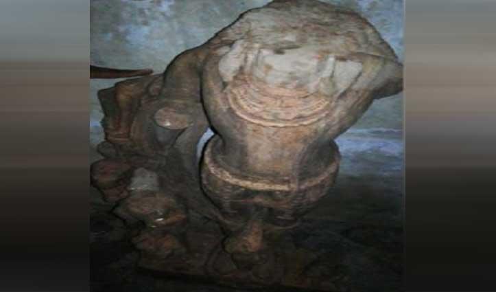 Uttar Pradesh के इस गांव में मिली 1800 साल पुरानी मूर्ति, देखकर हर कोई हैरान
