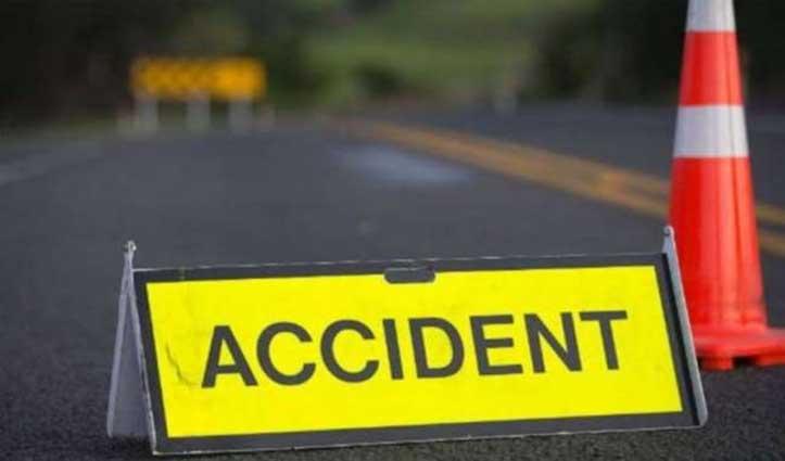 सिरसा में ट्राले से भिड़ी कार, पांच लोगों की गई जान, 3 घायल