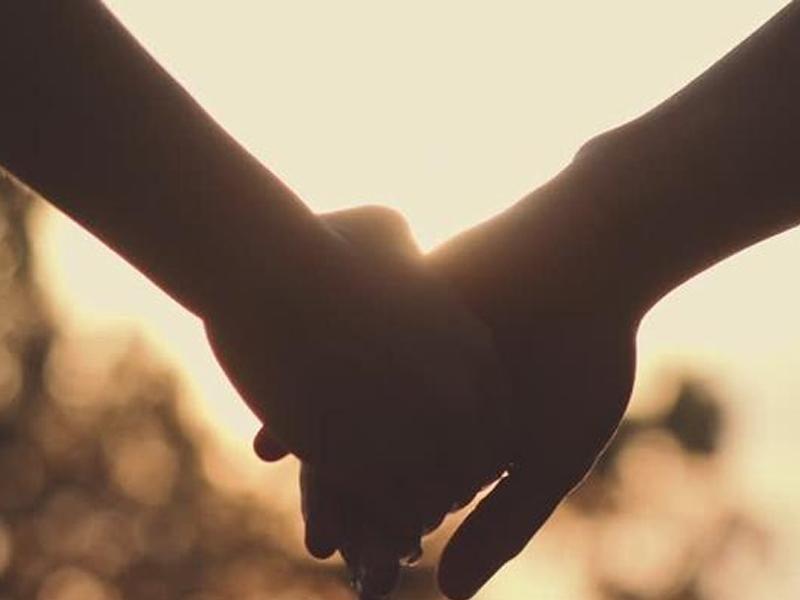 प्रेमी के साथ Train के आगे कूद गई युवती, आठ दिन बाद थी शादी