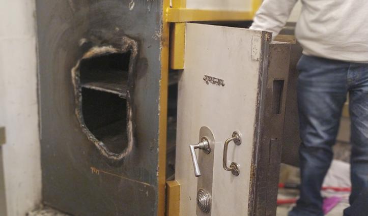 होली की रात Kangra के ज्वैलर्स की दुकान में लाखों की चोरी, CCTV भी ले उड़े चोर