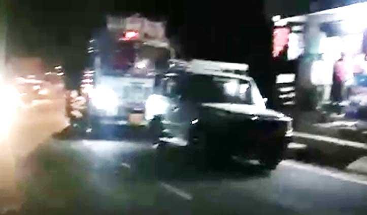 धर्मशाला-शिमला NH पर ट्रक और Car की टक्कर, एक किमी तक ट्रैफिक जाम