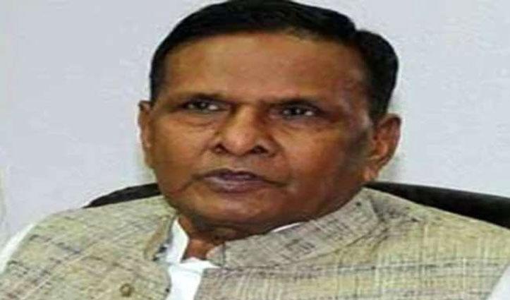 पूर्व केंद्रीय मंत्री और SP के वरिष्ठ नेता बेनी प्रसाद वर्मा का निधन