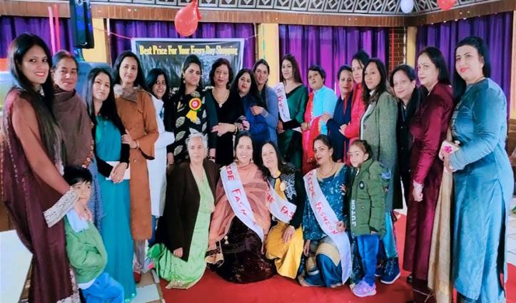 महिला दिवस पर फैशन शो