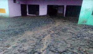 कोरोना इमरजेंसी के बीच बारिश का कहर, तीन घरों में घुसा मलबा-गौशाला ढही