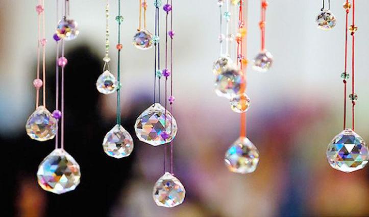 घर में सकारात्मक ऊर्जा लाते हैं Crystals