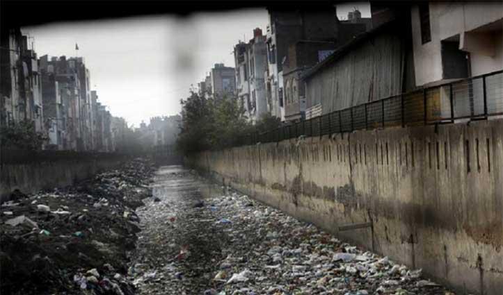 Delhi: हिंसा शांत होने के बाद गोकुलपुरी नाले से एक ही दिन में मिली दूसरी लाश