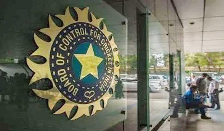 भारतीय कोच पर महिलाओं से दुर्व्यवहार के आरोप, BCCI ने किया निलंबित