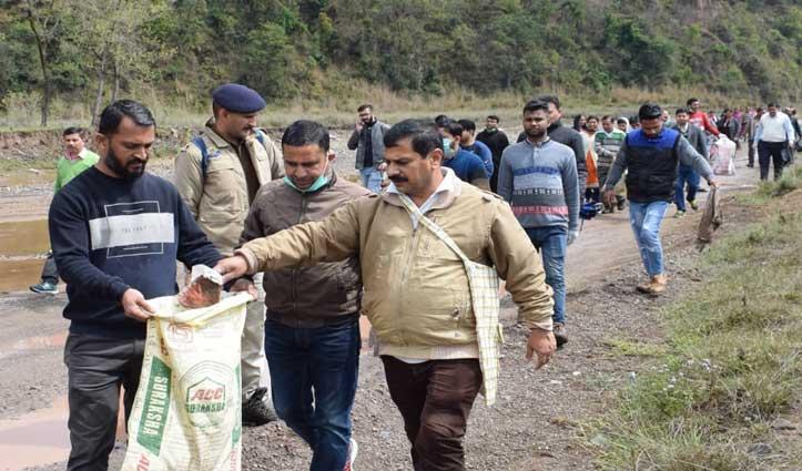 Sirmaur: 23 किमी लंबी पवित्र मारकंडा नदी में चला महा सफाई अभियान