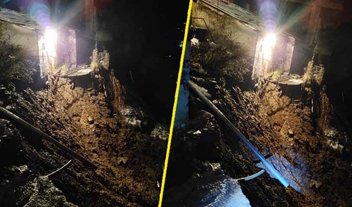 शिमला के लक्कड़ बाजार में घर पर गिरा मलबा, अंदर थे तीन लोग
