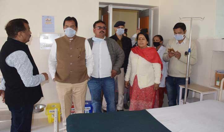 कोरोना का खौफः व्यवस्था जांचने विधायक सुंदर ठाकुर पहुंचे Kullu Hospital