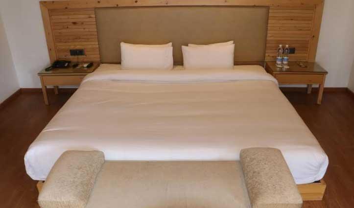 Kullu में 8 फीट लंबा और चौड़ा स्पेशल बेड तैयार, अब बस खली का इंतजार