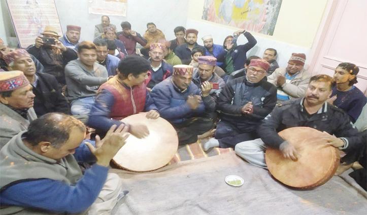हिमाचल में ब्रज की होली को सहेजे हुए कुल्लू का वैरागी समुदाय