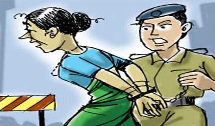 Paonta Sahib : परचून की दुकान में नशे का कारोबार चला रही महिला पकड़ी