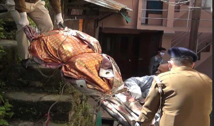 Mandi: घर में मृत पड़ा था बुजुर्ग, बदबू आने पर पड़ोसियों को लगी खबर