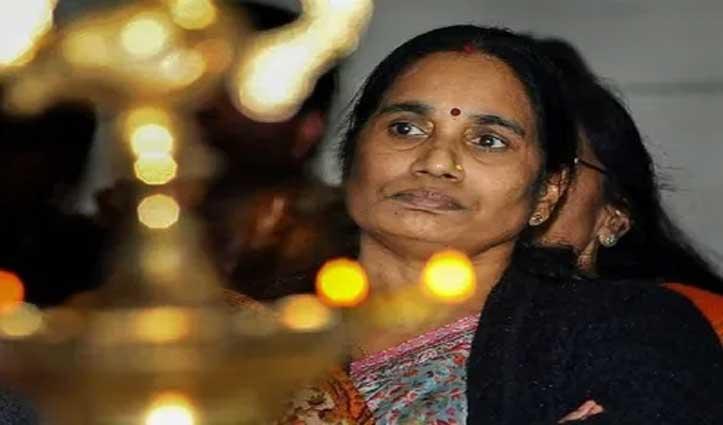 Nirbhaya: 'कोर्ट और सरकार सब तमाशा देख रहे, अपराधियों को सपॉर्ट करता है सिस्टम'