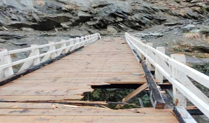 बारिश-बर्फबारी का कहरः Chamba में ढहा मकान, एक पुल क्षतिग्रस्त-कई सड़कें बंद