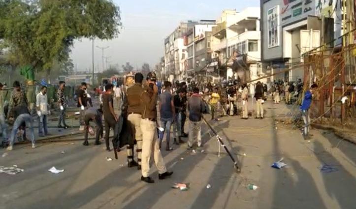 Delhi Police ने खाली कराया शाहीन बाग : टेंट उखाड़े, 6 महिलाएं, 3 पुरुष हिरासत में