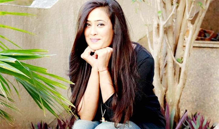 Shooting के दौरान सेट पर लगी आग, Shweta Tiwari का हाथ जला