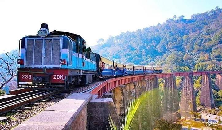 कोरोना का खौफः Kangra जिला में रेल सेवाओं पर लगा प्रतिबंध, आज 12 बजे से लागू