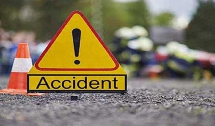 Uttrakhand: अनियंत्रित होकर खाई में गिरा वाहन, पांच की मौत, चार घायल