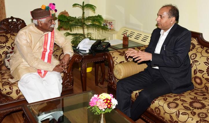 राज्यपाल से मिले सीएम जयरामः कोविड-19 से निपटने के लिए किए जा रहे प्रयासों से कराया अवगत