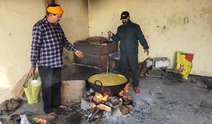 हर रोज खाना बनाकर 200 जरूरतमंदों को बांट रहे BBMB अधिकारी