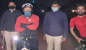 आधी रात को जब साइकिल पर निकले DC