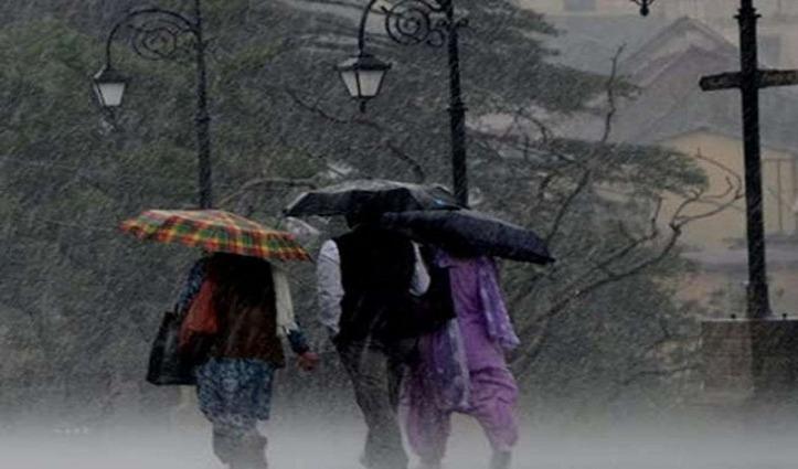Himachal में कोरोना संकट के बीच सताने लगा मौसम, 10 जिलों में बारिश-बर्फबारी का Alert जारी