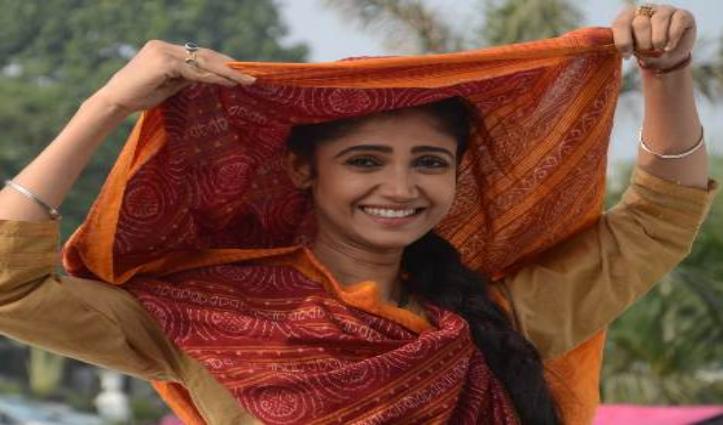 लॉकडाउन में Bihar के एक गांव में फंसी Ratan, दाल-भात और रोटी-चटनी खाकर भी खुश