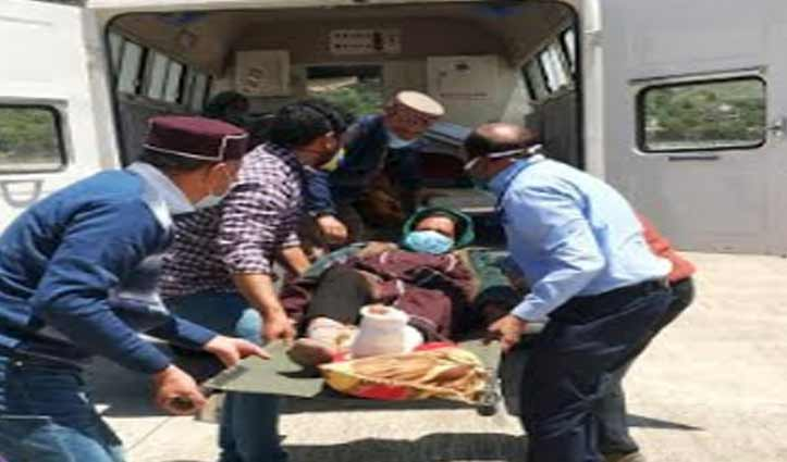 Lahaul के लिए हुई इमरजेंसी उड़ान, चार मरीजों सहित आठ को किया Airlift