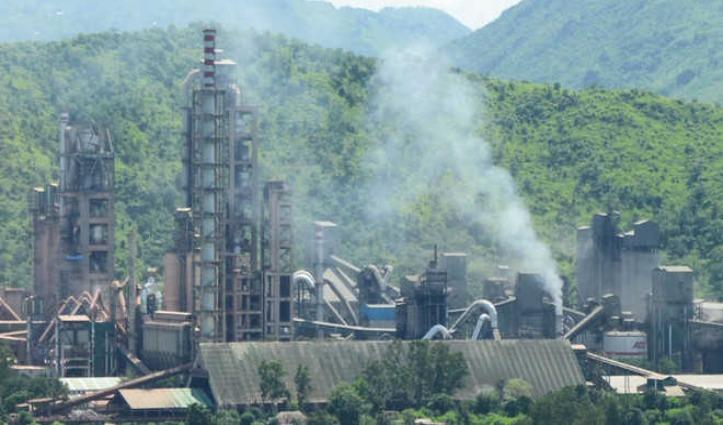 कोरोना संकट के बीच Himachal के तीनों Cement Plants को उत्पादन की मंजूरी