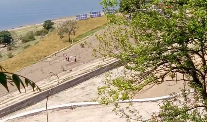 क्या सच में Curfew के बीच Resort का निर्माण कार्य करवा रहे देहरा के विधायक- जानिए