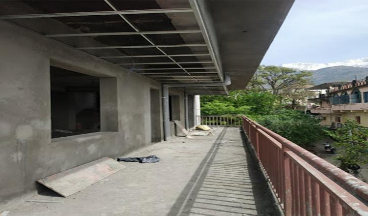 Breaking:हिमाचल में सुबह-सवेरे इस शहर में शराब के ठेके पर धड़ल्ले से हो रही थी ब्रिकी, फिर जो हुआ