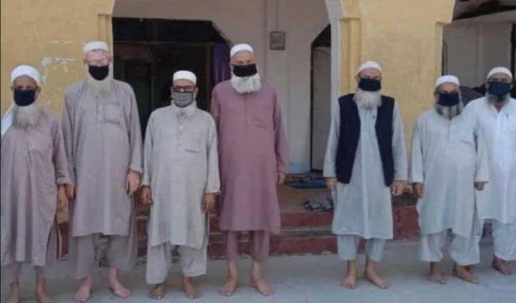 मस्जिद में छिपे नौ पाकिस्तानी नागरिकों को Police ने हिरासत में लिया, निकला जमात कनेक्शन