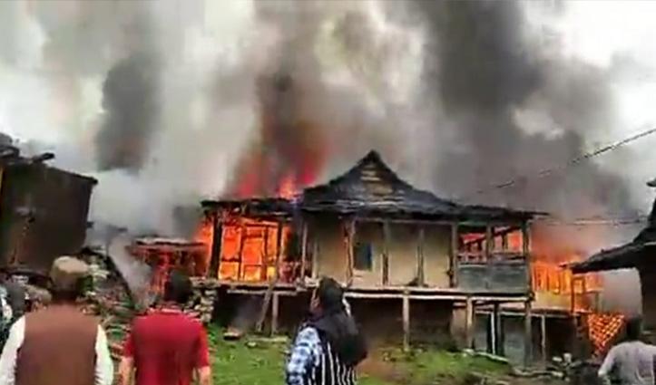 रोहड़ू के चिड़गांव में भीषण अग्निकांड, जिंदा जली 80 साल की बुजुर्ग, 7 घर राख
