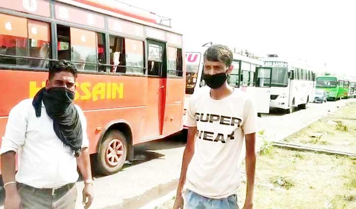 लखनपुर बॉर्डरः Himachal के निजी बस चालकों के हाल, खाने को रोटी नहीं- जूते भी चोरी
