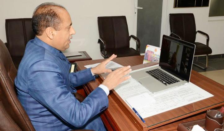 Jai Ram Thakur ने मेडिकल स्टाफ और पुलिस कर्मियों का बढ़ाया हौंसला