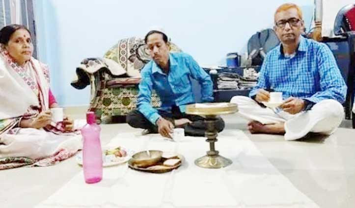 Lockdown में एकता की मिसाल – यहां हिंदू परिवार कर रहा मुस्लिम युवक की इफ्तारी का इंतजाम