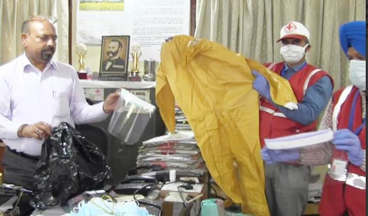 Corona से सुरक्षाः ऊना, बद्दी व चंडीगढ़ से जुटाया सामान और बना डाली PPE Kits