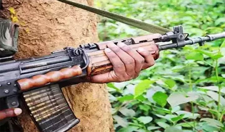 झारखंड: Encounter में 3 नक्सली मारे गए, बम लगाकर उड़ाया था स्कूल का हॉस्टल