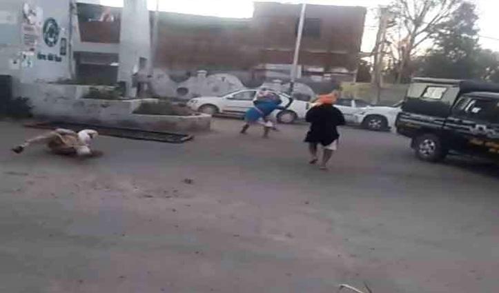 Curfew पास नहीं दिखा पाने पर पंजाब Police पर निहंग सिखों का हमला, ASI का काटा हाथ, गुरुद्वारे में छिपे हमलावर