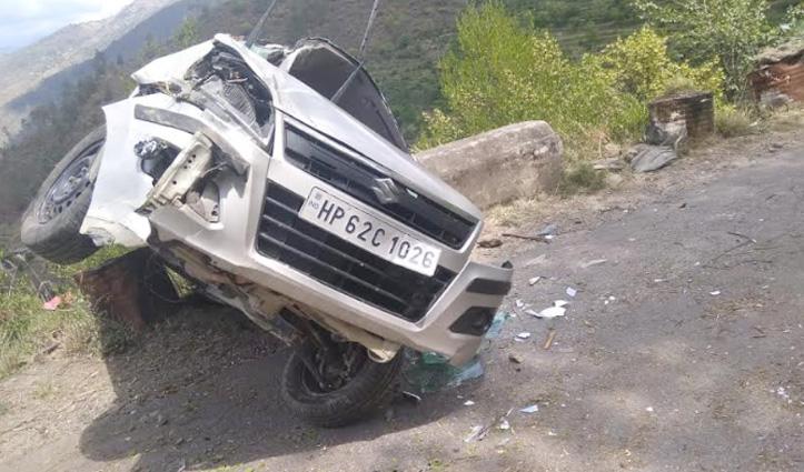 कुमारसैन के कंडा संपर्क मार्ग पर हादसा, पति की मौत- पत्नी घायल