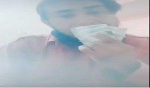Corona को अल्लाह का अज़ाब बताकर Tik-Tok वीडियो में नोट से नाक साफ करने वाला शख्स गिरफ्तार