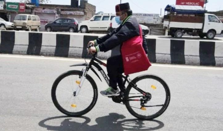 साइकिल यात्रा पर निकले मंत्री डॉ. राजीव सैजल, लोगों को Mask पहनने के लिए किया प्रेरित