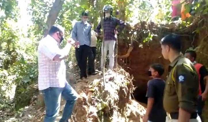 Paonta Sahib: जंगल में 20-25 फीट लंबी सुरंग मिलने से सनसनी