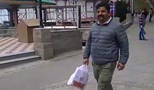 कैमरे में कैद हुए विस उपाध्यक्ष हंसराज