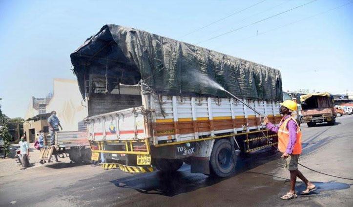 सड़कों पर दौड़ रहे केवल 5% Truck, प्रभावित हो रही है माल की ढुलाई: AIMTC