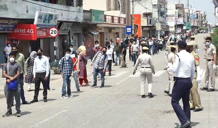 घर वापसी के लिए Himachal के प्रवेश द्वार पर लगी कतारें, पास मान्य होने के बाद दी जा रही एंट्री