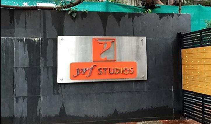 दिहाड़ी-मजदूरों का सहारा बनी Yash Raj Films, खाते में डालेगी पैसा